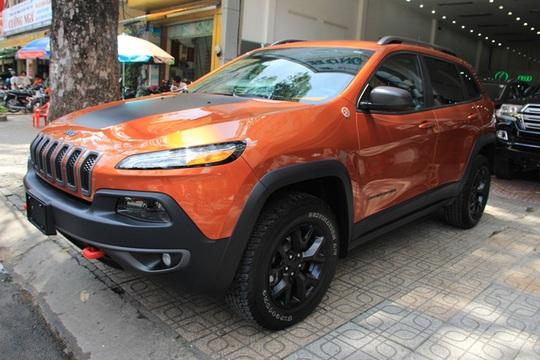 """Đại gia Duy Lợi sắm thêm xe """"khủng"""" Jeep Cherokee Trailhawk"""