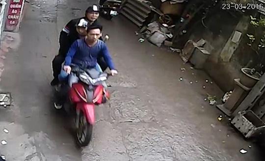 Ba nghi can tấn công nhà báo điều tra Đỗ Doãn Hoàng - Ảnh cắt từ camera