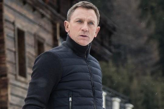 """Nhiều nguồn tin bàn luận quanh việc Daniel Craig có thể bỏ vai James Bond cho rằng nguyên nhân do rắc rối từ phần phim mới nhất tài tử này tham gia có tên """"Spectre""""."""