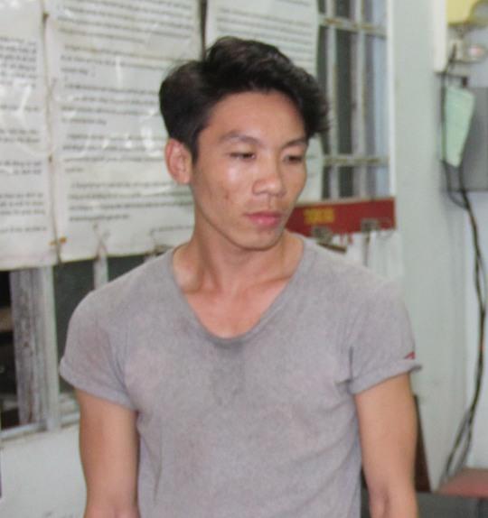Khưu Văn Minh tại cơ quan điều tra. Ảnh: Công an Vĩnh Long cung cấp