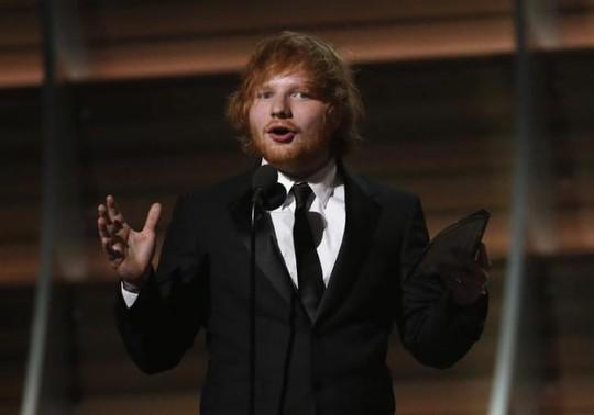 Ed Sheeran bị kiện