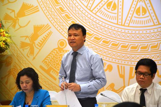 Thứ trưởng Bộ Công Thương Đỗ Thắng Hải tại buổi họp báo chiều 5-5. Ảnh: Nguyễn Hưởng