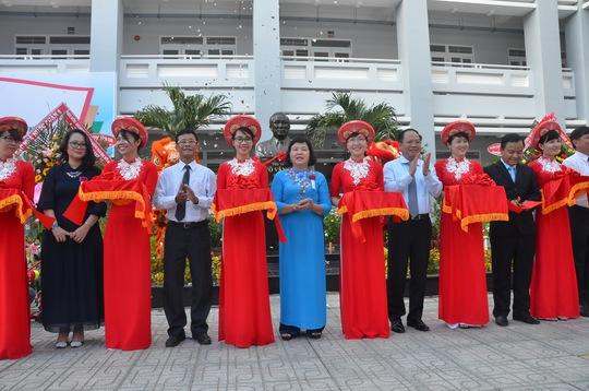 Khánh thành tượng cố Thủ tướng Võ Văn Kiệt tại ngôi trường mang tên ông