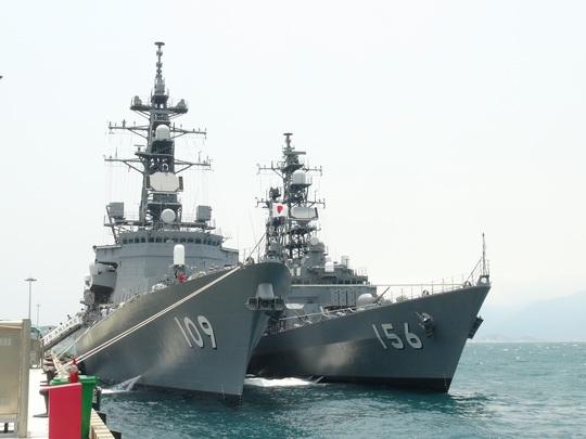Hai chiến hạm Nhật Bản DD - 156 và DD - 109