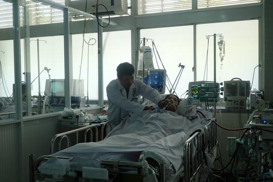 Nữ sinh đang được điều trị tại Bệnh viện Chợ Rẫy.