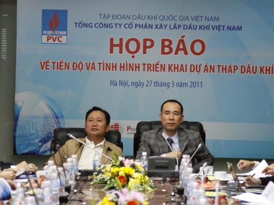 Trịnh Xuân Thanh (trái) và Vũ Đức Thuận (phải) thời làm Chủ tịch HĐQT và Tổng giám đốc PVC trong một cuộc họp báo - Ảnh: Vietnam Plus