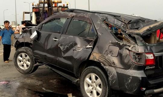 Chiếc Toyota Fortuner gặp nạn ở Sài Gòn cách đây ít ngày. Ảnh: Lê Trai.