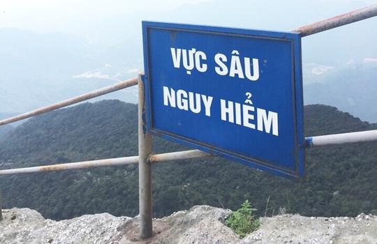 Thành phố Uông Bí đặt biển cảnh báo các điểm nguy hiểm