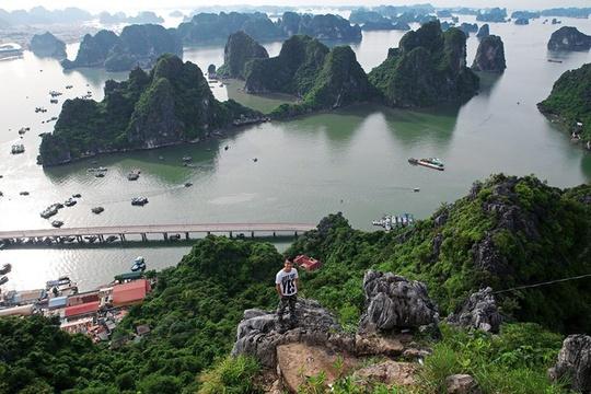 Nên chọn leo núi Bài Thơ vào ngày nắng ráo, thời tiết tốt để có được tầm nhìn. Ảnh: Phạm Công Sơn