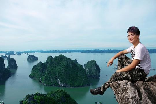 Những mỏm đá trên đỉnh Bài Thơ là nơi cho ra đời những tấm ảnh sống ảo. Ảnh: Phạm Công Sơn