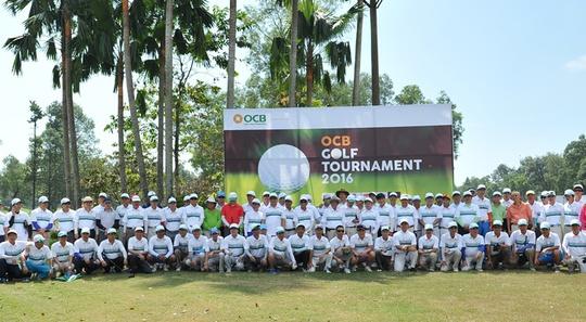 Các Golfers chụp hình lưu niệm khai mạc giải đấu