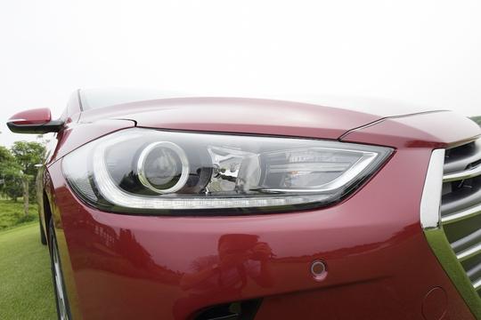 Hyundai Elantra 2016 vừa ra mắt, giá 615 triệu đồng