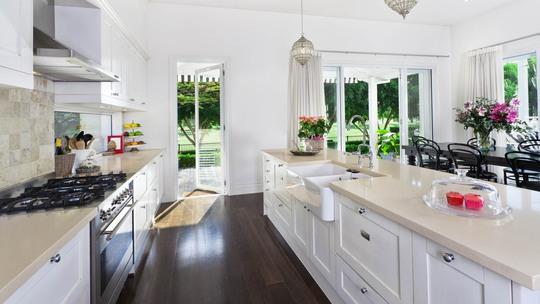 Bố trí bếp và bồn rửa khoa học, hợp phong thuỷ là yếu tố quan trọng trong mọi gia đình