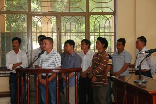 11 bị cáo tại phiên tòa sáng 7-9