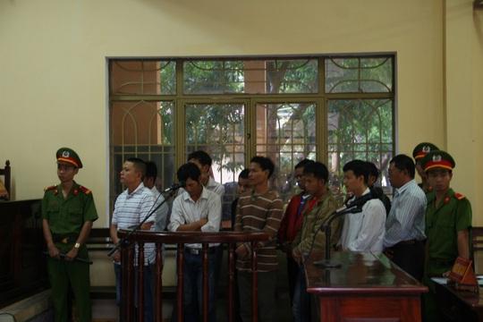 11 bị cáo tại tòa