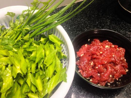 Thịt bò và đậu rồng đã chuẩn bị sẵn