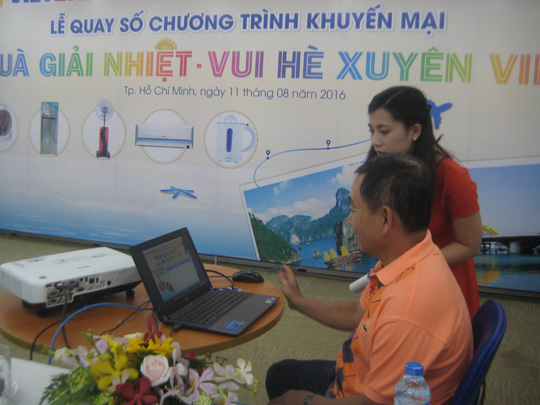 Khác hàng Vietbank tham gia quay số điện tử