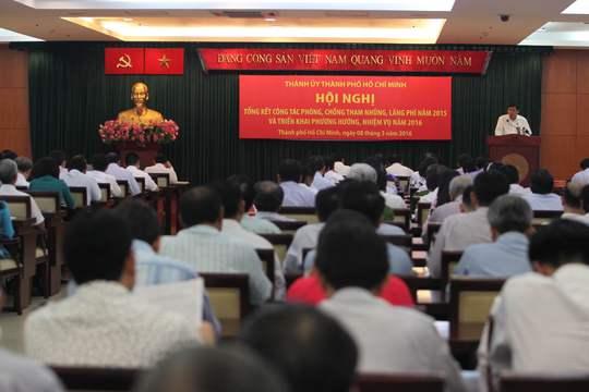 Bí thư Thành ủy TP Đinh La Thăng chủ trì hội nghị.