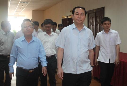 Chủ tịch nước Trần Đại Quang hứa sẽ cùng Đoàn Đại biểu Quốc hội TP phối hợp với các bộ ngành Trung ương nghiên cứu, xây dựng cơ chế đặc thù cho TP HCM. Ảnh: Hoàng Triều
