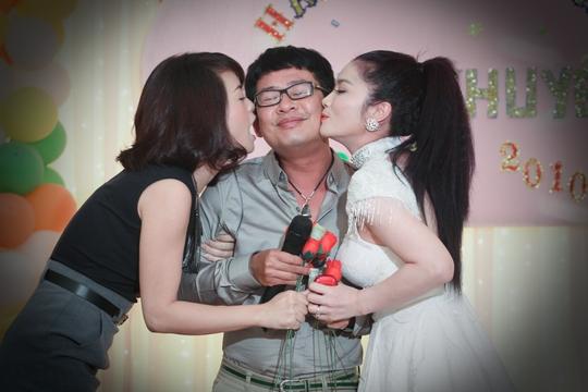 Được vợ tin tưởng, không ghen nên nghệ sĩ hài Tấn Beo không vướng vào những tin đồn lăng nhăng tình cảm