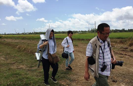 Nhóm phóng viên Nhật Bản tại hiện trường