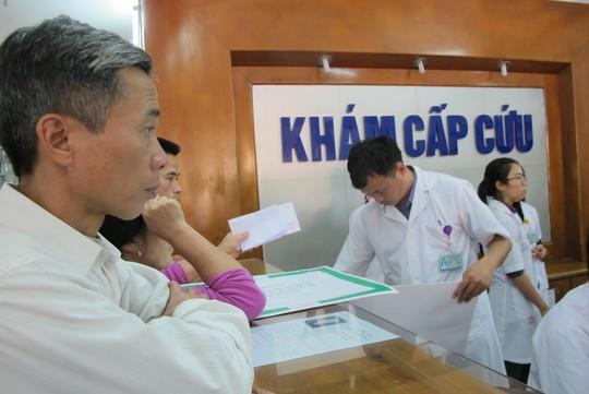 Yêu cầu về chất lượng khám chữa bệnh ngày càng cao cũng làm tăng áp lực đối với nhân viên y tế