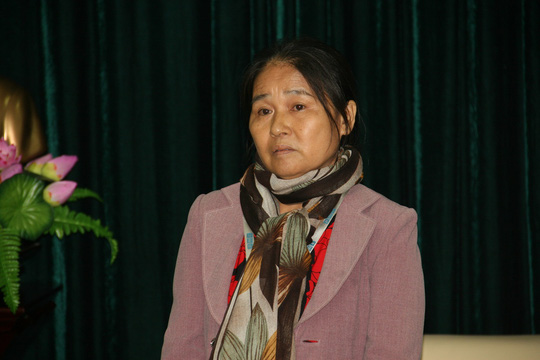 Bà Nguyễn Thị Tần xúc động tại buổi nhận căn hộ