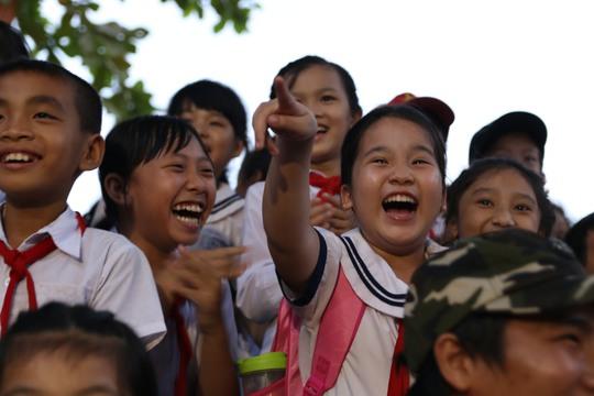 Nhiều học sinh vui mừng trong ngày hội trung thu