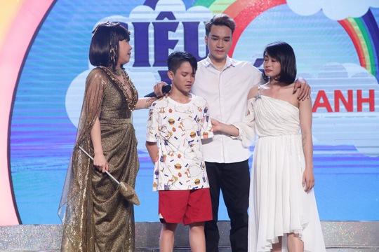 Việt Hương hỗ trợ Phi Hải