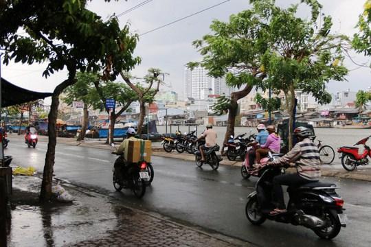 Mưa xuất hiện trên đường Trần Xuân Soạn (quận 7) lúc 15 giờ ngày 6-5