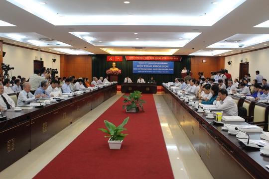 Quang cảnh buổi hội thảo: Đồng chí Trần Bạch Đằng- Người cộng sản kiên trung sáng 14-7