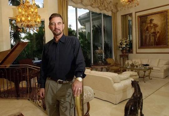 David Lee Edward trúng số 27 triệu USD vào năm 2001. Ảnh: AP