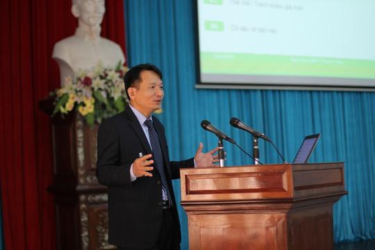 Ông Nguyễn Đình Tùng – Tổng Giám đốc OCB chia sẻ tại hội thảo