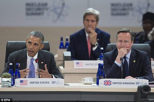 Thủ tướng Anh David Cameron cùng Tổng thống Mỹ Barack Obama. Ảnh: EPA