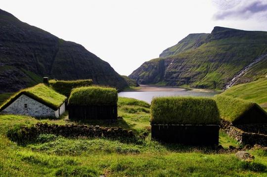 Những ngôi nhà mái cỏ ở Bắc Âu giúp người sống ở đây bớt lạnh vào mùa đông và chống nóng vào mùa hè.