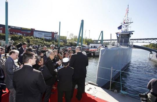 Buổi lễ ra mắt tàu Sea Hunter tại TP Portland, bang Oregon hôm 7-4. Ảnh: REUTERS
