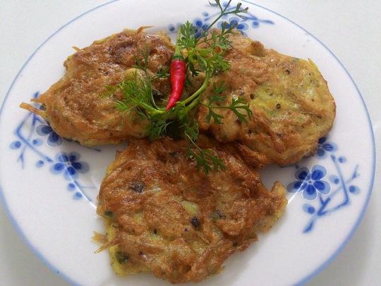 Căng bụng với cá cơm chiên bột
