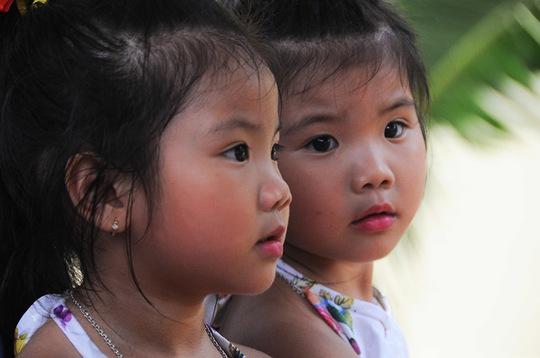 Những cặp song sinh giống nhau đến khó phân biệt