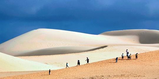 Đồi cát Hòa Thắng - địa danh hấp dẫn du khách