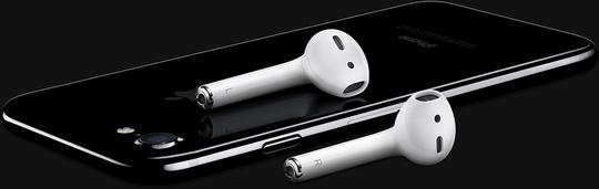 Tai nghe không dây mới Apple AirPod bán kèm giá 159 USD.