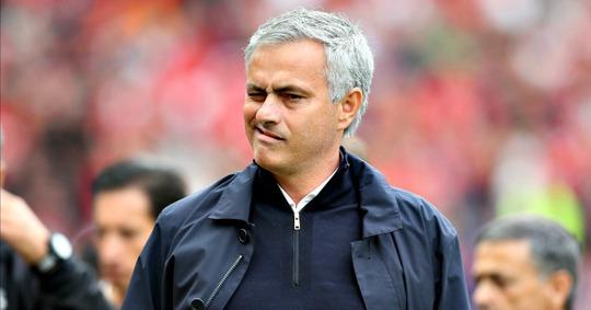 Mourinho thất vọng với quyết định của trọng tài Clattenburg