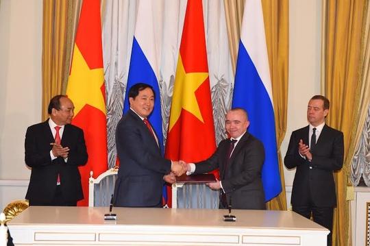 TNG Holdings Việt Nam và Goszagransobstvenost ký biên bản ghi nhớ hợp tác dưới sự chứng kiến của Thủ tướng Nguyễn Xuân Phúc và Thủ tướng Medvedev