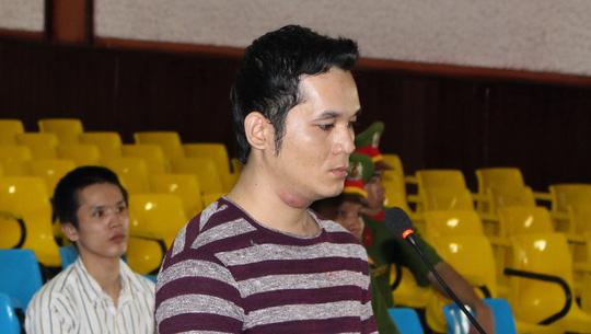 Bị cáo Mân Em phải lãnh 20 tù sau khi dùng dao đâm tử vong võ sĩ Muay Thái Phạm Văn Tuấn.