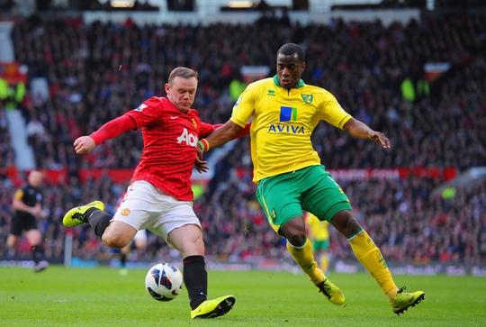 M.U (trái) đang cố gắng chiếm vị trí thứ 4 của Man City