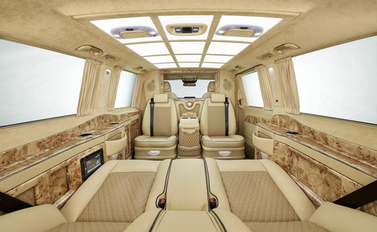 """""""Lâu đài di động"""" mang tên Mercedes-Benz V-Class Black Crystal"""