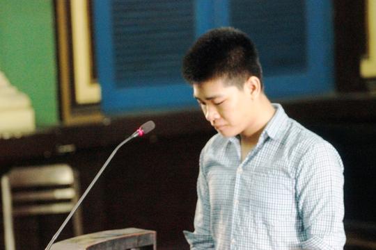Huỳnh Thanh Nam cúi đầu nhận tội