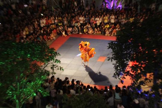 Nhiều người đánh giá cách tổ chức lễ quốc khánh năm nay sáng tạo, đầu tư có nhiều hoạt động truyền thống, gắn bó với đặc sắc văn hóa dân tộc và thu hút được sự quan tâm của nhiều du khách.