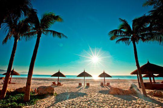 Đón bình minh ở biển Mỹ Khê - Đà Nẵng
