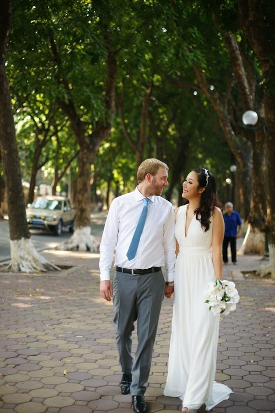 Hoa hậu Ngô Phương Lan và hôn phu trong ngày cưới