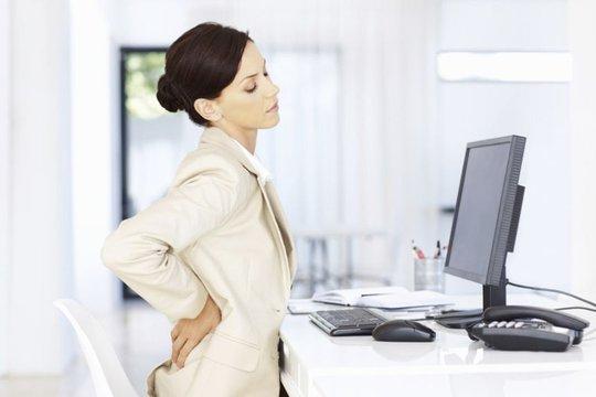 Ngồi nhiều gây đau lưng